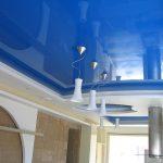 Преимущества установки натяжных потолков