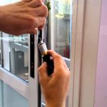 Частые поломки ПВХ дверей, требующие ремонта
