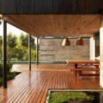 Три компонента для защиты деревянной террасы
